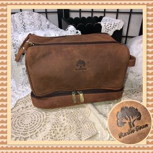 Rustic Town Buffalo Leather Toiletry Bag LIKE NEW
